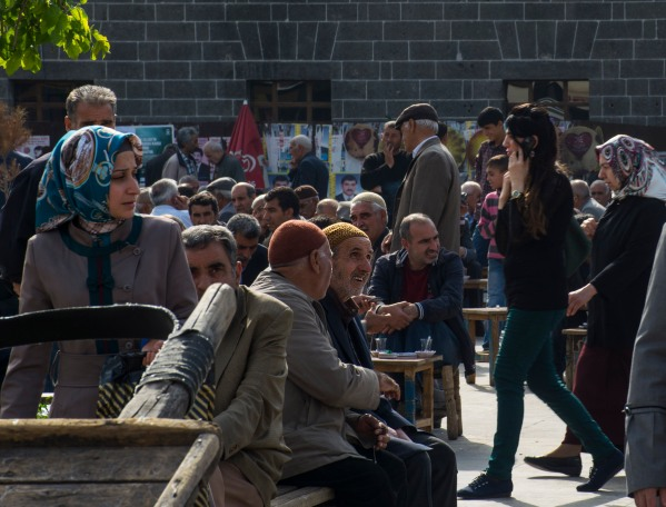 A scene from central Diyarbakır. © Nick Ashdown